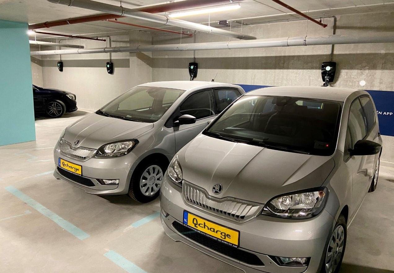 Deelautos in parkeergarage Startmotor Rotterdam met Qcharge opladers van Eleqtron